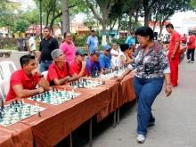 foto-1-simultanea-de-ajedrez_web