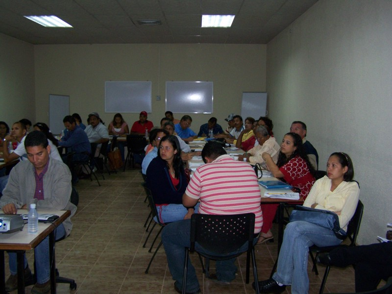 fotos_taller_adm_bancos_comunales-001.jpg